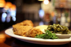 Cena fritta nel grasso bollente del pollo Immagini Stock Libere da Diritti
