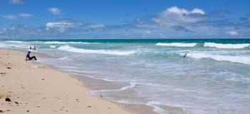 Cena litoral da praia de Scarborough, Austrália Ocidental Fotos de Stock Royalty Free