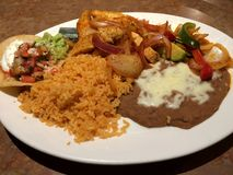 Cena mexicana de Resturaunt de la comida Fotografía de archivo libre de regalías
