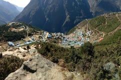 Cena natural da área nepalesa da aldeia da montanha fotografia de stock