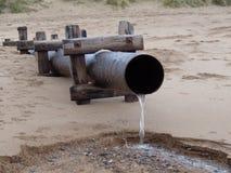 Cena no volume de água da praia no beira-mar Fotografia de Stock