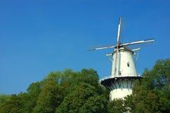 Cena pitoresca, moinho de vento velho. imagem de stock royalty free