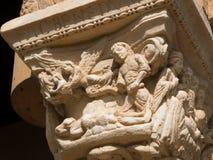 Cena religiosa narrativa em uma capital do claustro de Monreale imagens de stock