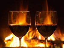 Cena romántica, dos vidrios Imagen de archivo libre de regalías