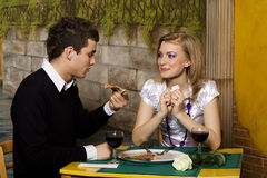 Cena romántica en pizzería Fotos de archivo