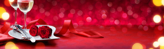 Cena romantica per i biglietti di S. Valentino adorabili fotografia stock