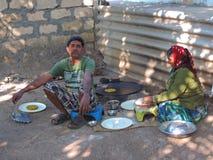 Cena rural da Índia - cozinhando fotografia de stock