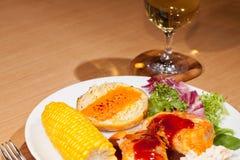 Cena sana del pollo Comida alimenticia baja en calorías con Bbq ch Imagenes de archivo