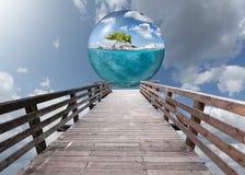 Cena surreal da fantasia como férias e conceito do curso Imagem de Stock
