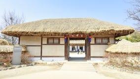 Cena tradicional do pavilhão de Gwanghalluwon na mola Fotografia de Stock