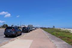 Cena urbana da rua em Texas, Estados Unidos da América Bulevar em Galveston, Texas, estado de Lone Star imagem de stock