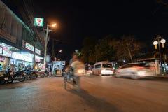 Cena urbana da rua da noite do MAI de Chaing Fotos de Stock Royalty Free