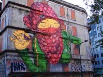 Cena urbana de prosperidade da arte dos grafittis e da rua em Lisboa, Portugal, 2014 fotografia de stock royalty free
