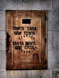 Cena urbana de prosperidade da arte dos grafittis e da rua em Lisboa, Portugal, 2014 fotos de stock