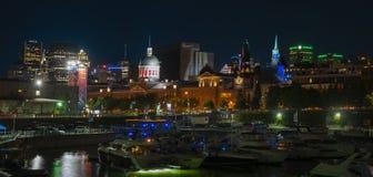 Cena velha da noite do porto de Montreal fotos de stock
