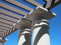 Cenador con las columnas concretas Imagen de archivo
