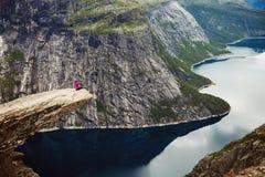 Cenas coloridas da montanha em Noruega Paisagem bonita de Noruega, Escandinávia Paisagem da montanha de Noruega Fotografia de Stock