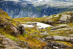 Cenas coloridas da montanha em Noruega Paisagem bonita de Noruega, Escandinávia Paisagem da montanha de Noruega Foto de Stock Royalty Free