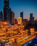 Cenas da noite da caverna de Chongqing Hongya fotografia de stock royalty free
