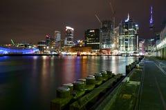 Cenas da noite da cidade de Auckland fotografia de stock royalty free