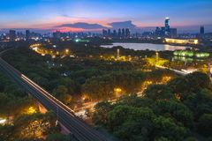 Cenas da noite do parque antigo de Qintai fotografia de stock