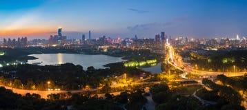 Cenas da noite do parque antigo de Qintai foto de stock