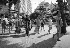 Cenas da rua de Tailândia - grupo da excursão do chinês fotos de stock