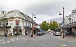 Cenas da rua e distrito financeiro de Queenstown, ilha sul de Nova Zelândia Imagem de Stock Royalty Free