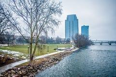 Cenas da skyline e da rua da cidade de Grand Rapids michigan Fotos de Stock  Royalty