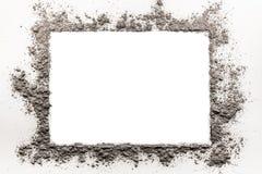 Cendre, saleté, la poussière, cadre de sable sur un fond blanc Photos libres de droits