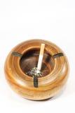 Cendrier et fumée Image stock