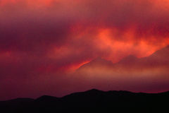 Cenere calda dell'incendio violento fotografie stock libere da diritti