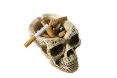 Cenicero del cráneo, antifumador Foto de archivo