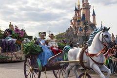 Cenicienta y príncipe Charming Imagen de archivo libre de regalías