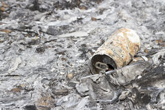 Cenizas quemadas de ramitas, de la hierba y de quemaduras conservadas Fotografía de archivo libre de regalías