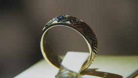 Cenni Diamentowi pierścionki Świetnego luksusowego diamentowego jewellery nadokienny pokaz z ringowym pedantem Złocisty pierścion zbiory wideo