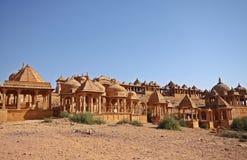 Cenotafi abbandonati di Jaisalmer, India Immagini Stock