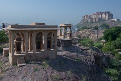 Cenotaph in front of Mehrangar Fort in Jodhpur Royalty Free Stock Photos