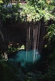 Cenote bij het archeologische park van Ik Kil dichtbij Chichen Itza, Mexico Royalty-vrije Stock Afbeeldingen