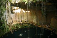 Cenote Ik Kil около Chichen Itza, Мексики Стоковая Фотография RF