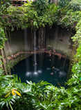 Cenote Ik-Kil, México Imagens de Stock Royalty Free