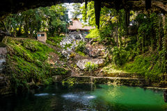 Cenote Zaci - Valladolid, Messico immagini stock libere da diritti