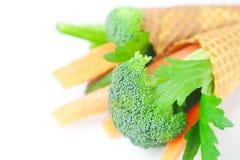 Cenoura, aipo, brócolos em um cone do waffle Fotos de Stock