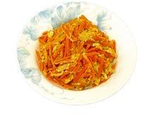 A cenoura & o ovo agitar-fritam Foto de Stock