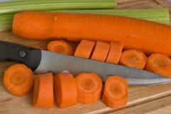 Cenoura da estaca da faca Fotografia de Stock Royalty Free