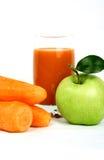 Cenoura e sumo de maçã Fotos de Stock Royalty Free