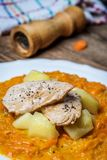 Cenouras cozinhadas com batatas fotografia de stock