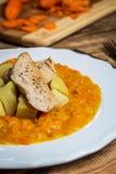 Cenouras cozinhadas com batatas imagens de stock royalty free
