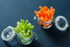 Cenouras e aipo desbastados com hashis Fotografia de Stock Royalty Free