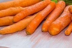 Cenouras frescas, cruas, bio Fotografia de Stock